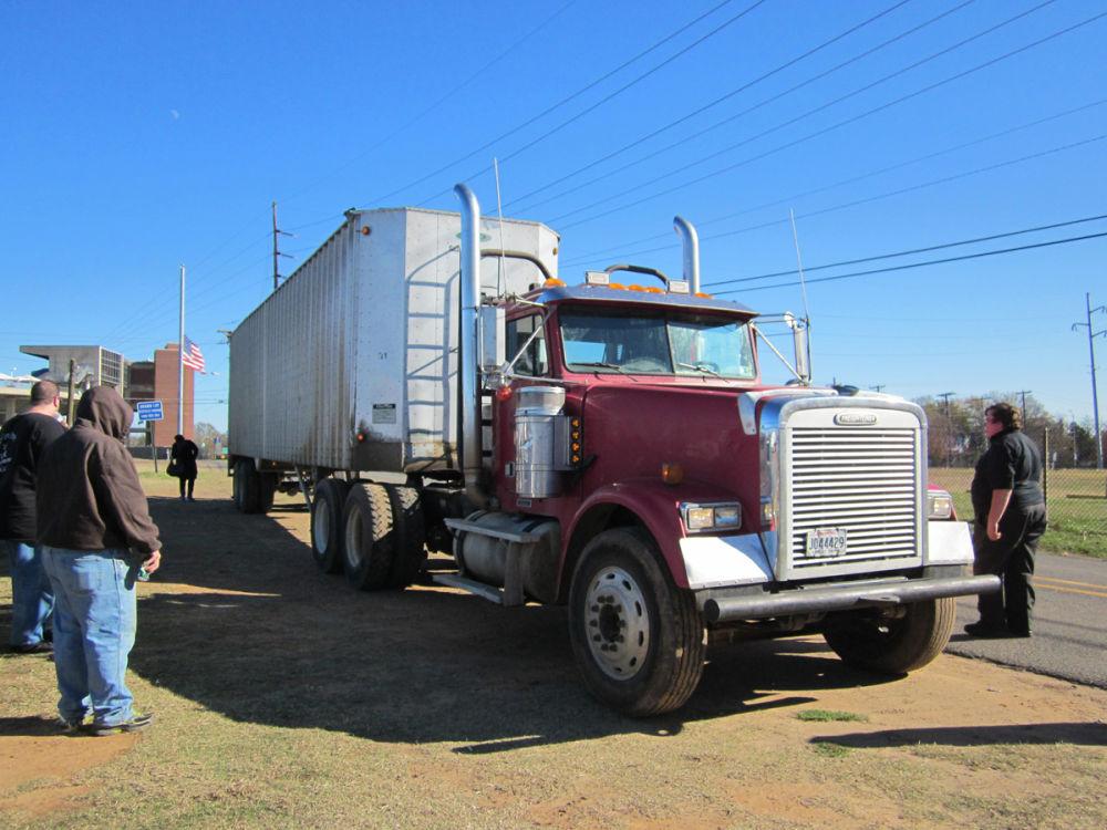 Monroe Truck Equipment >> Shreveport CDL gradaute, Aaron Guinn - Diesel Driving AcademyDiesel Driving Academy