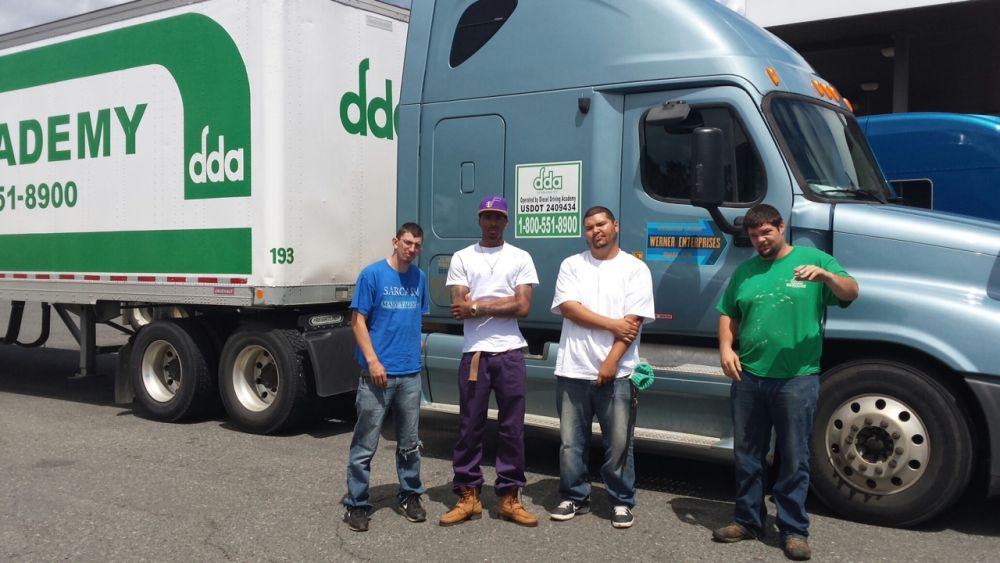 DDA Shreveport students help deliver food to the food bank